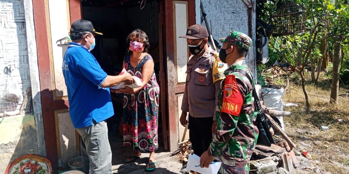 3 Pilar Desa Sodo Pakel Salurkan BanSos Kepada Warga Yang Terdampak Covid-19