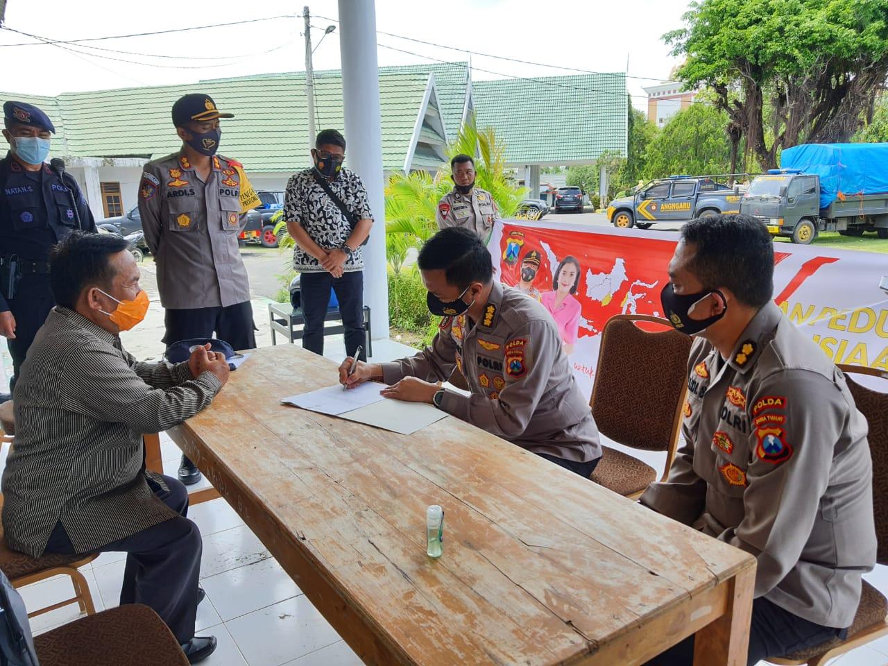 Bantuan Dari Polda Jatim dan Bhayangkari Mendarat Tepat Sasaran