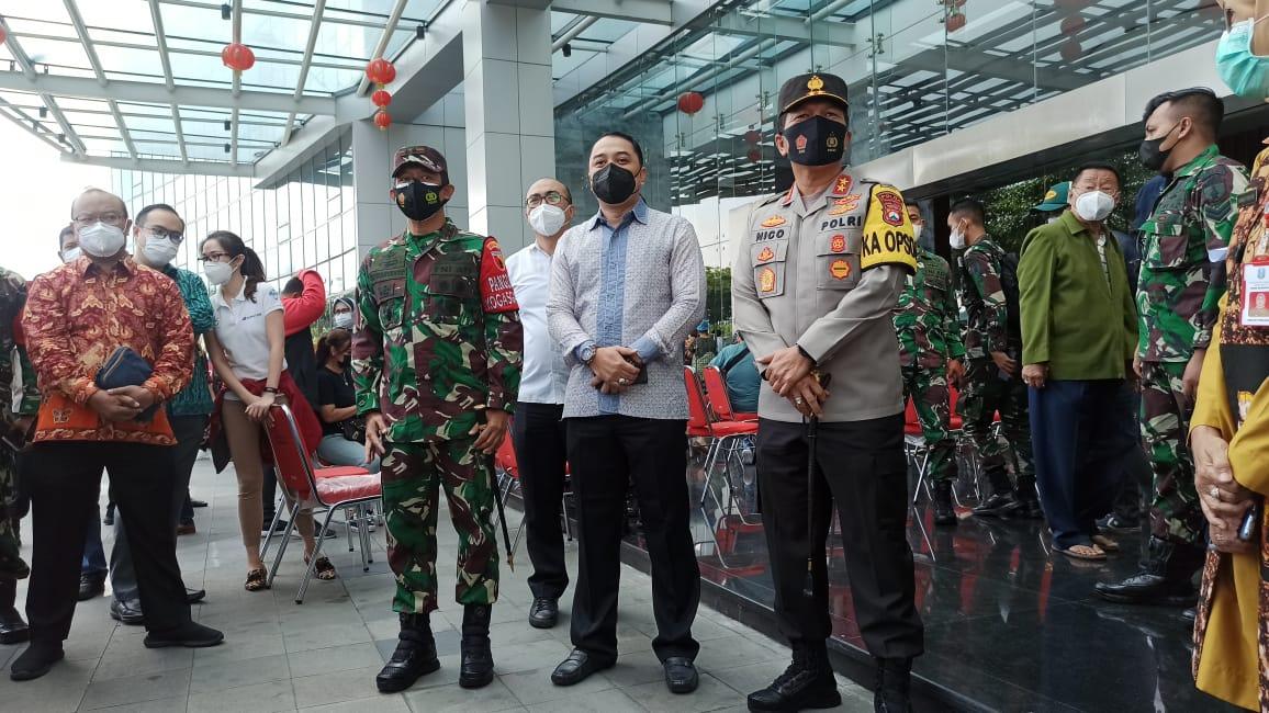 Vaksinasi Covid-19 Lansia di Surabaya, Menkes: Sebanyak 38 Juta Akan Divaksin