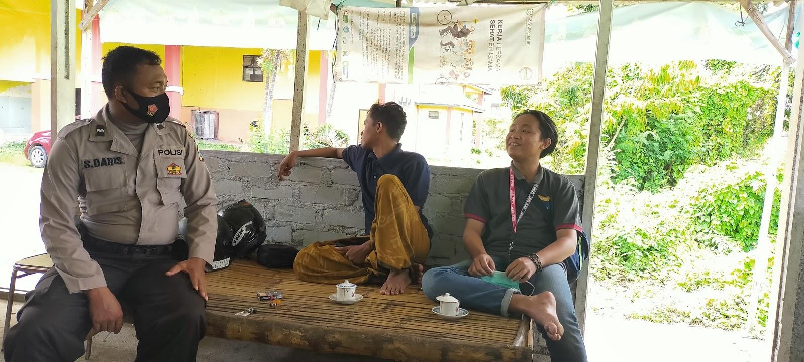 Personil Polsek Burneh Polres Bangkalan Imbau Warga Desa Untuk Saling Menjaga Kerukunan