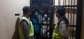 SPK-T Polsek Modung Polres Bangkalan Kontrol Keamanan Dan Kesehatan Tahanan
